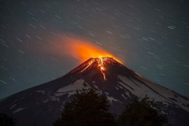 chile-volcano-eruption-04